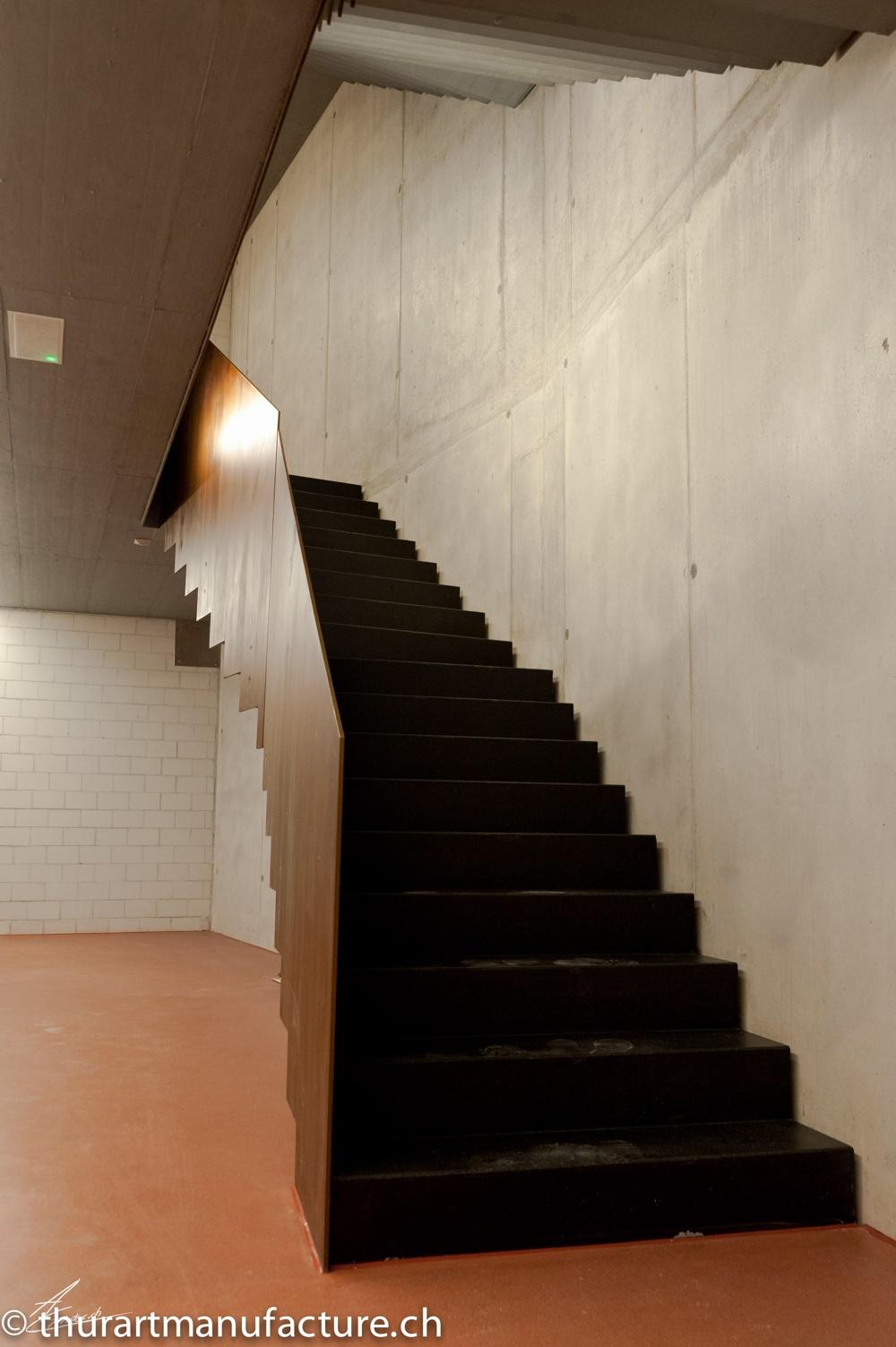 Treppengeländer Geschäftshaus Löwen, Amden, Rostapplikation, 2013, copyright by A. Cariget