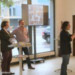 , Besucher der Kunstausstellung Huellas - Spuren von Juan Andereggen, Juan Andereggen